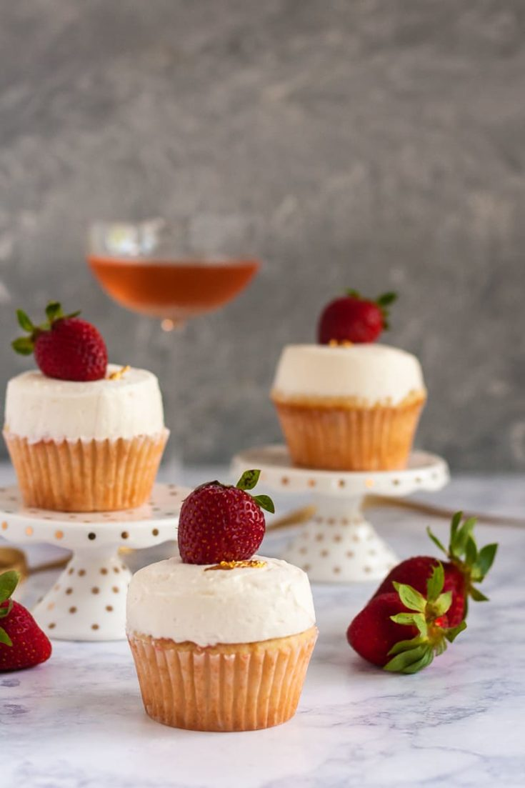 For the sweetest celebrations, break out the bubbly! This recipe for strawberry champagne cupcakes with a champagne frosting is perfect for when you're feeling effervescent. * GoodieGodmother.com
