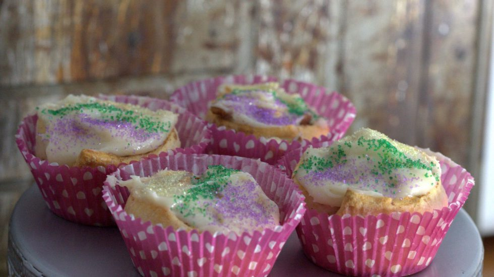 "Easy King Cake ""Cupcakes"""