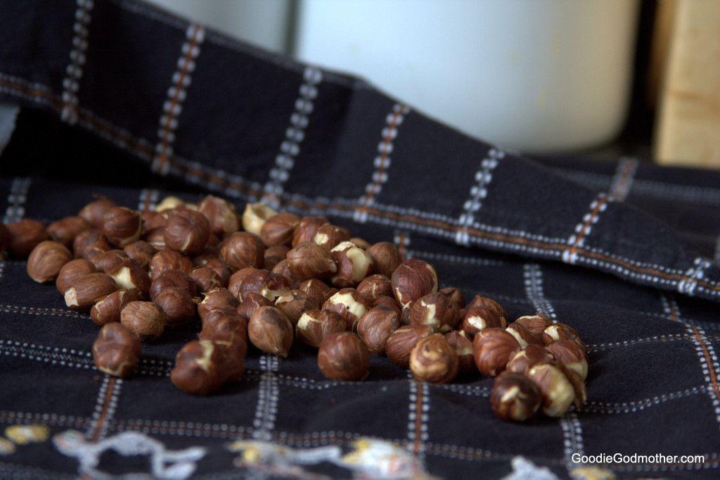 How to toast raw hazelnuts