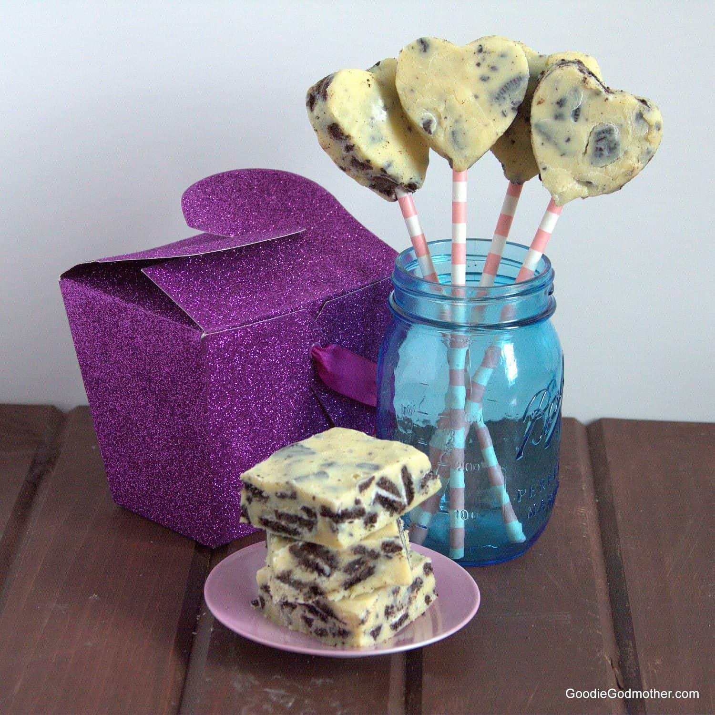 Microwave Cookies and Cream Fudge