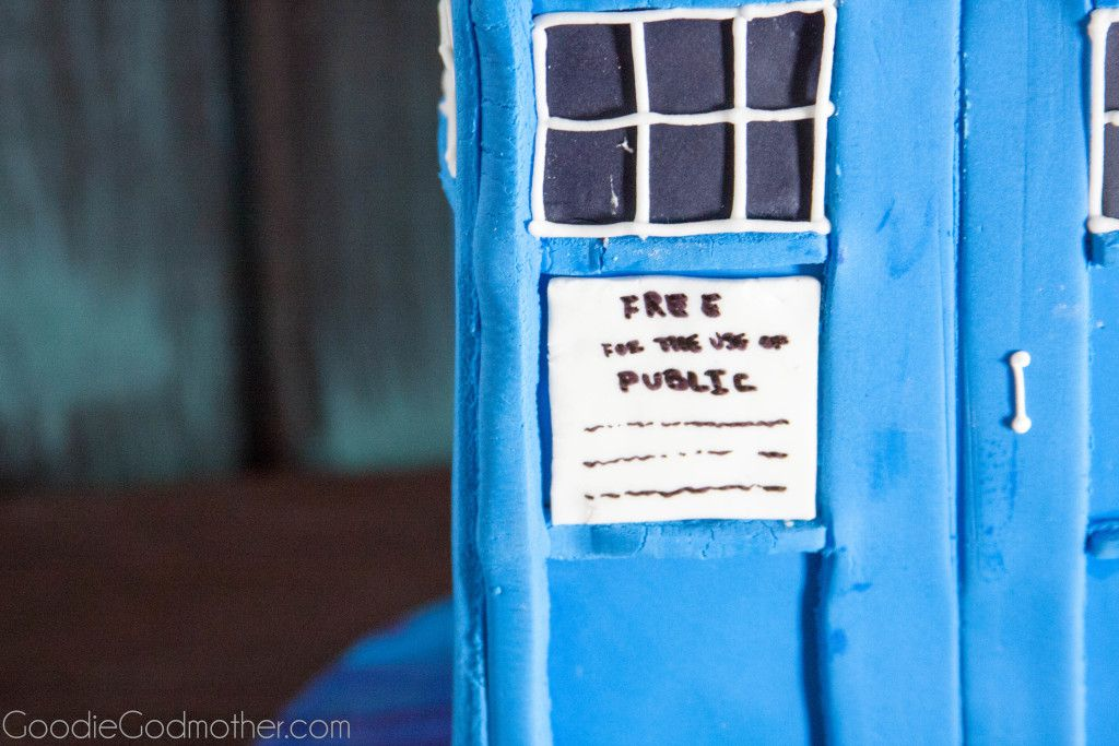 Learn How to Make a Tardis Cake with this step-by-step tutorial on GoodieGodmother.com