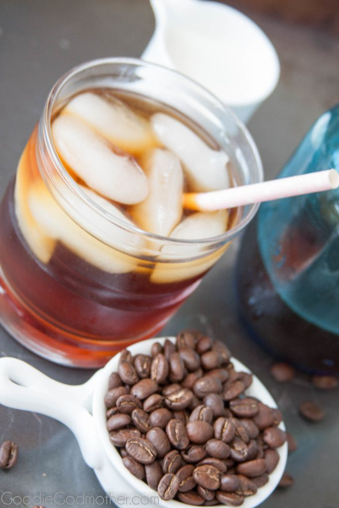 How to make your own cold press coffee concentrate to make delicious iced coffees and blended drinks. Perfect for hot weather!