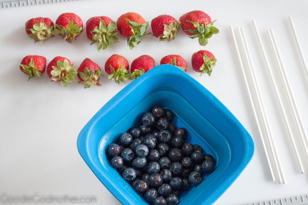 """Make this healthy and easy Fourth of July dessert! Summer berry """"sparklers"""" by GoodieGodmother.com"""