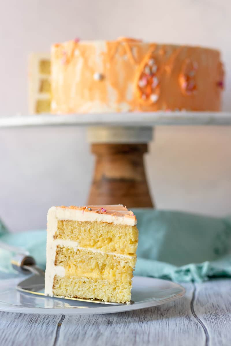 Get creative with your cake flavors and make this orange cake recipe from scratch! * Recipe on GoodieGodmother.com