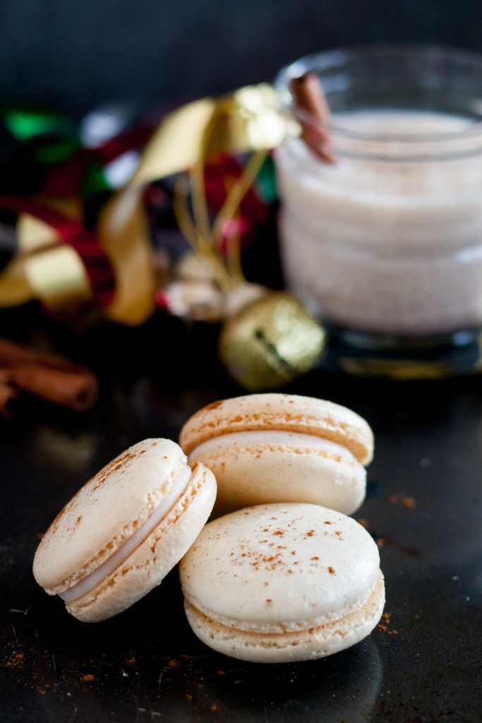 Homemade eggnog macarons - a perfect Christmas cookie treat! Eggnog macaron recipe on GoodieGodmother.com