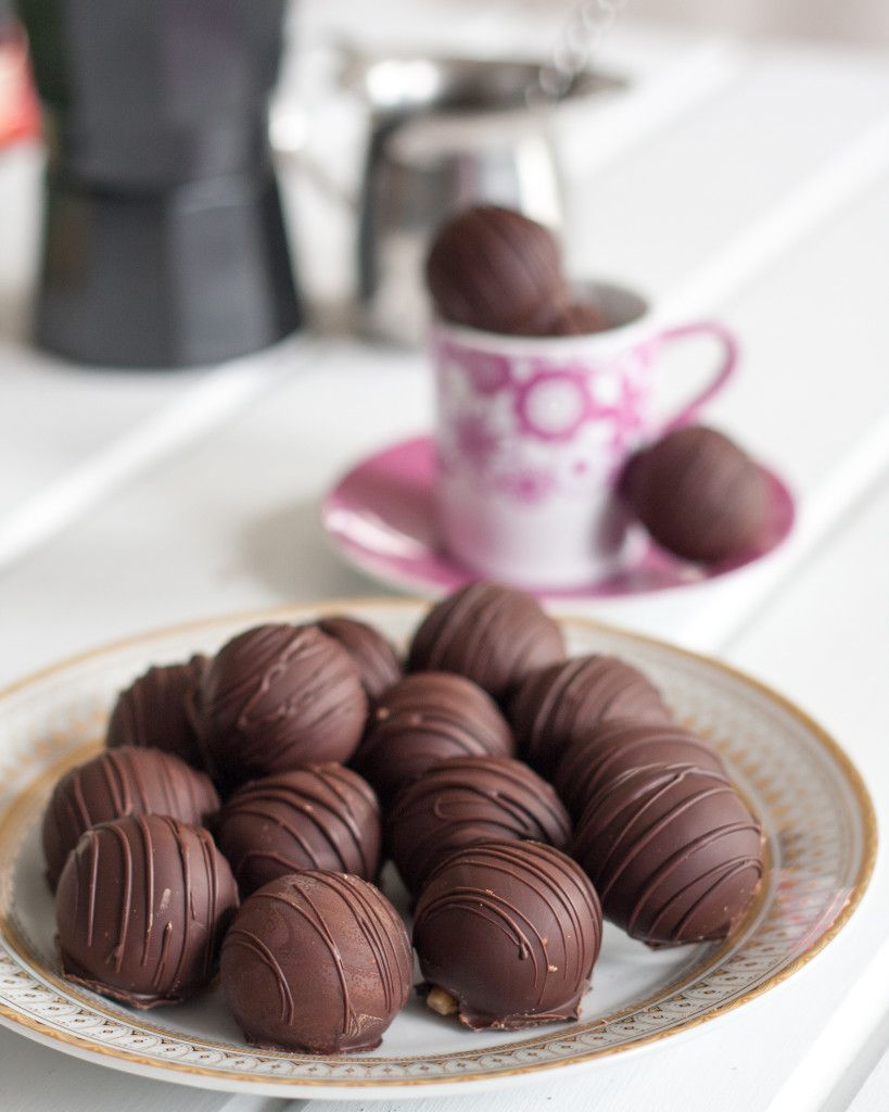 Cuban Coffee Truffles - a perfect dessert recipe for coffee lovers!