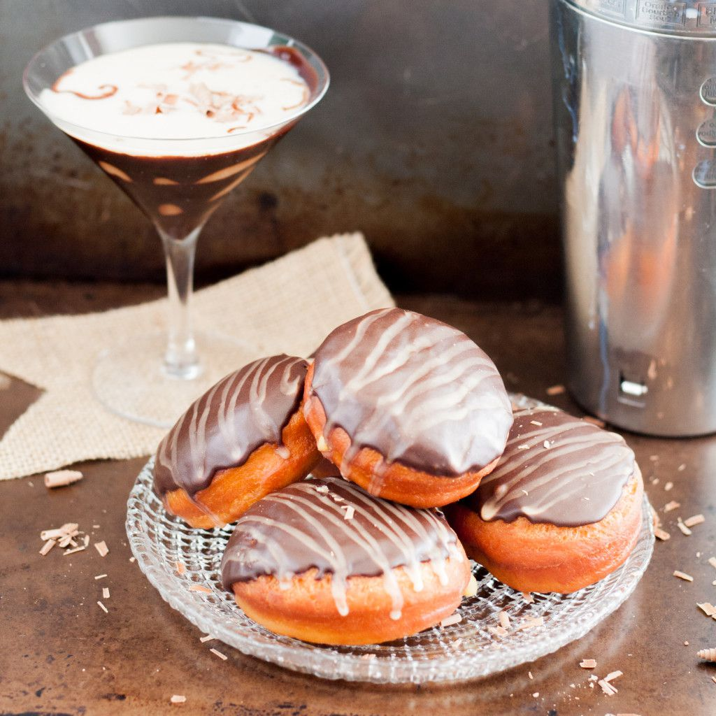 Mudslide doughnuts - because any hour with doughnuts is a happy hour. Recipe on GoodieGodmother.com