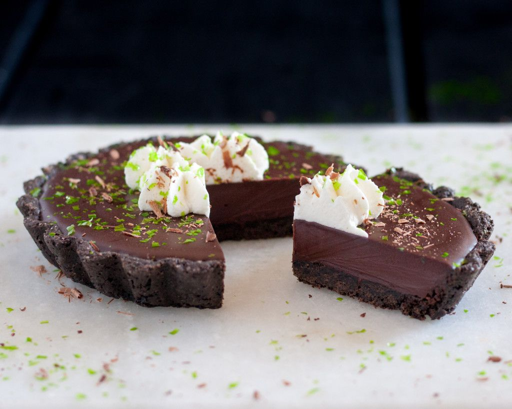 Irish Cream Tarts - A perfect St Patrick's Day dessert for the chocolate lover! Recipe on GoodieGodmother.com