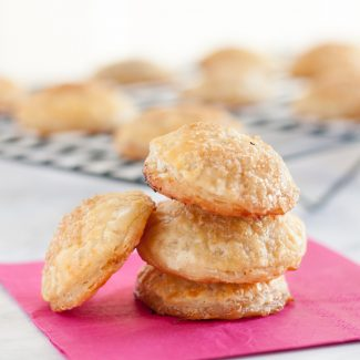 Strawberry Rhubarb Pie Cookies - Easy to make, even easier to eat! ;) * GoodieGodmother.com
