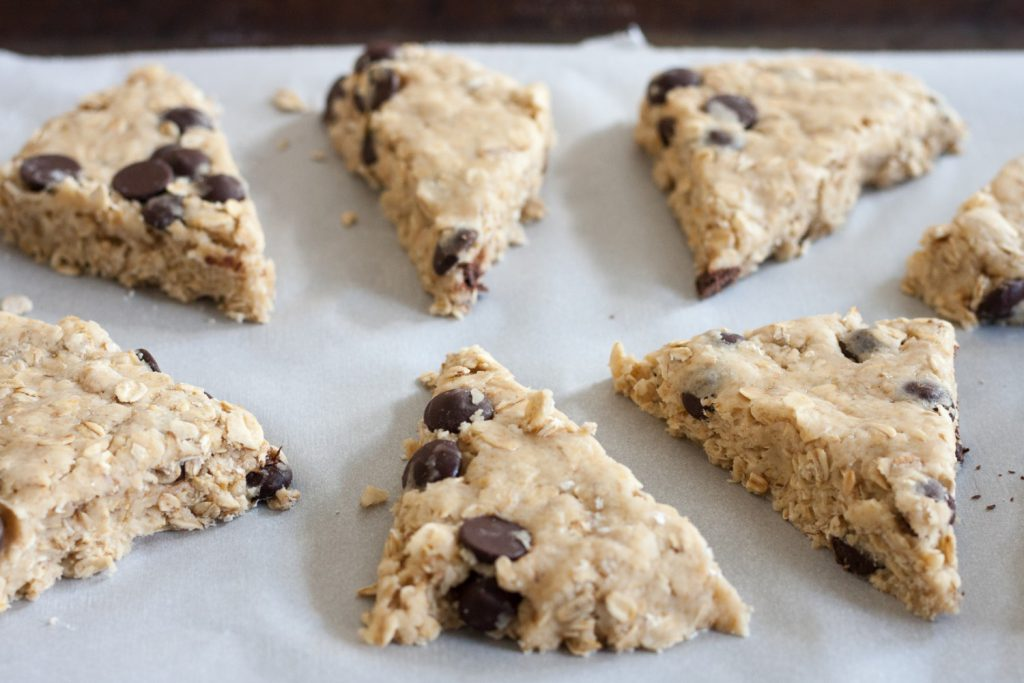 Oatmeal Scones Two Ways - Recipes for ham and cheese oatmeal scones and chocolate chip oatmeal scones. These are great to make in advance and freeze for easy, heat and go breakfasts later! * GoodieGodmother.com