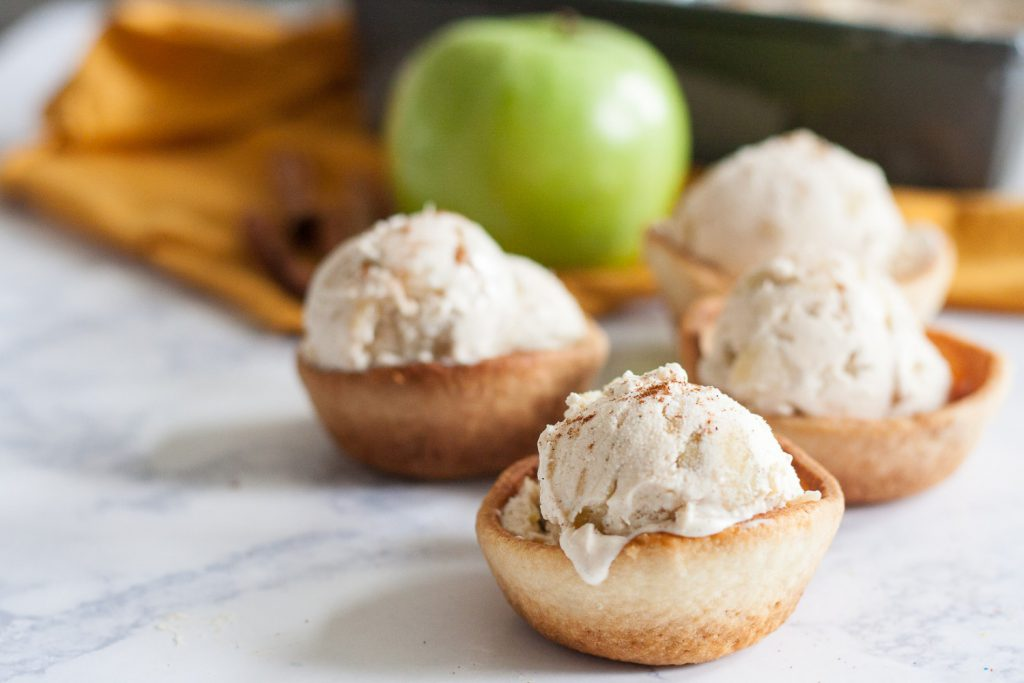 No Churn Apple Pie Ice Cream - a fabulous fall ice cream flavor you can make, even without an ice cream machine! * Recipe on GoodieGodmother.com