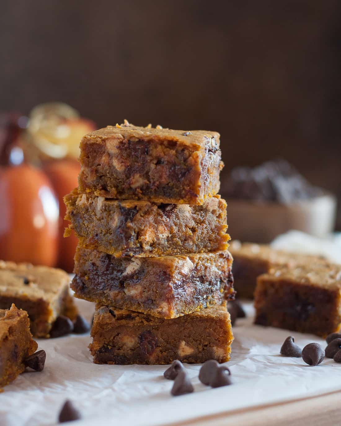 This peanut butter pumpkin blondies recipe is egg free, delicious, and the perfect fall dessert for pumpkin lovers! * Recipe on GoodieGodmother.com