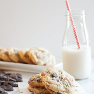 These soft and chewy salted caramel chocolate chip cookies are everything! * Recipe on GoodieGodmother.com