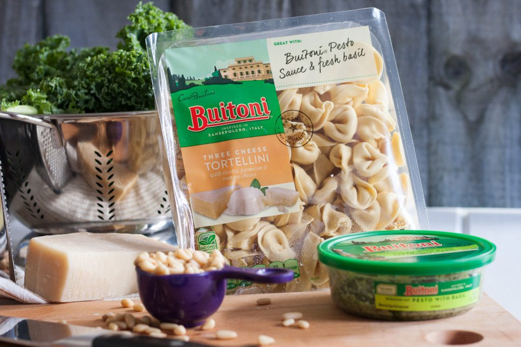 Keep dinner simple with this quick Easy Kale Shrimp Tortellini pasta recipe on GoodieGodmother.com! * #Buitoni #CloserToDinner @BuitoniUSA #ad