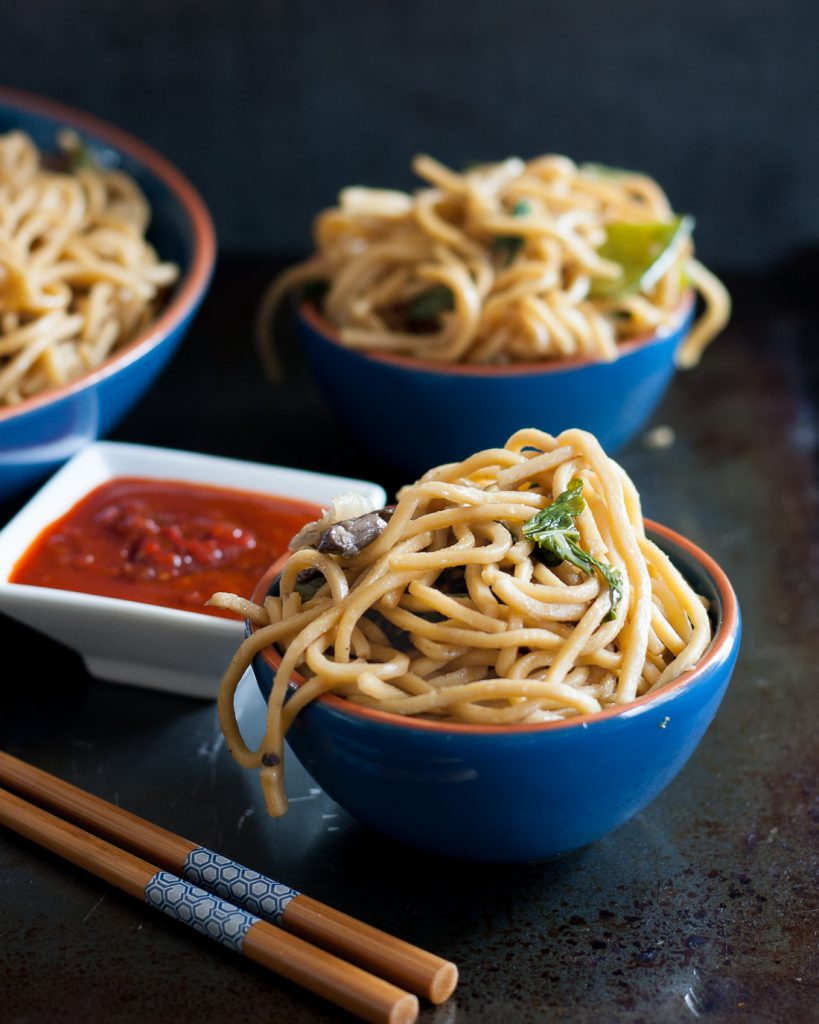 "A few minutes is all it takes to whip up this easy garlicky vegetable lo mein recipe! This is a great quick takeaway ""copycat"" recipe for weeknight meals. * Recipe on GoodieGodmother.com"