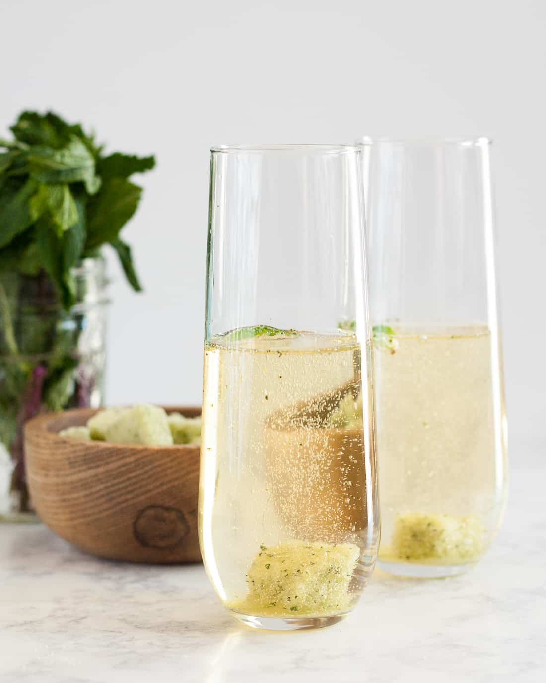 Whether you make it as a cocktail or a mocktail, this sparkling mint julep is a lovely drink for a celebration! Large hats optional. * Recipe on GoodieGodmother.com