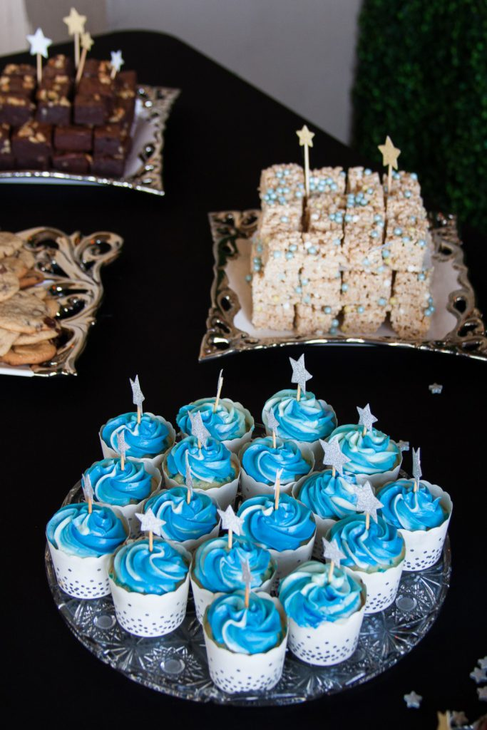 Tips, recipes, and inspiration for planning a star themed boy baby shower! * GoodieGodmother.com #ad #MomBlogTourFF