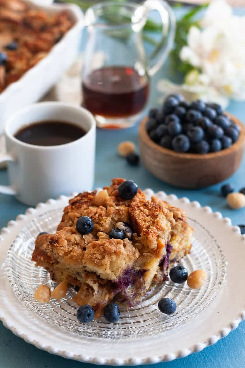 Blueberry Macadamia Nut French Toast Bake with a crunchy streusel topping! French toast casserole is a perfect make ahead breakfast for a crowd. * Recipe on GoodieGodmother.com #breakfast #frenchtoast #makeahead