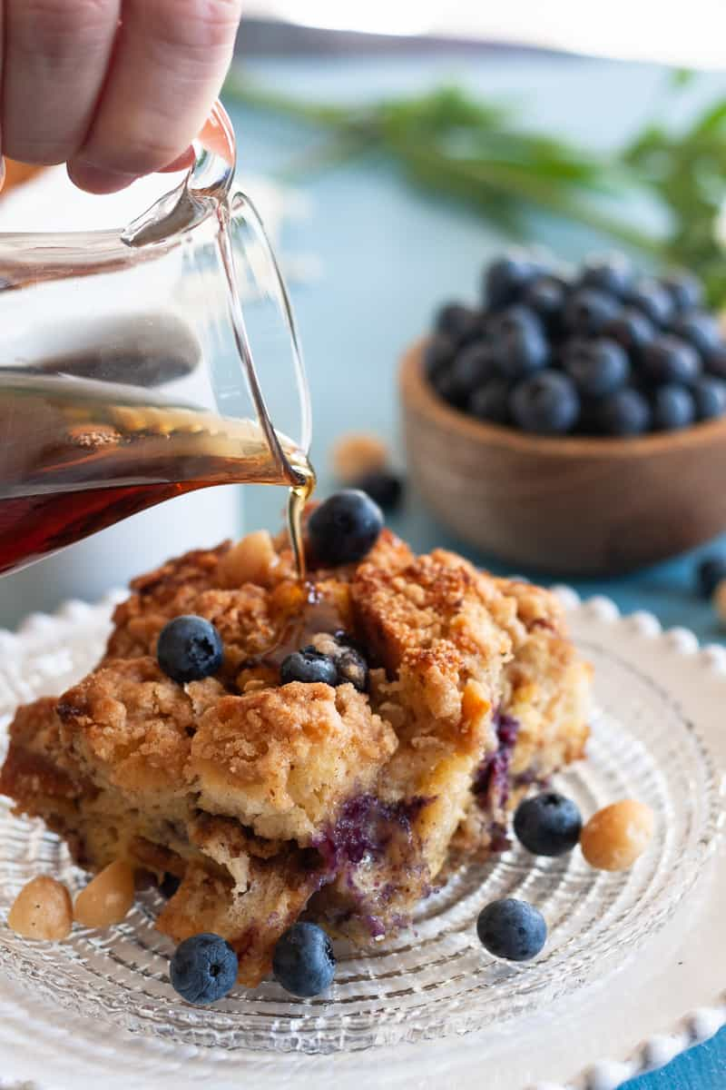 Blueberry Macadamia Nut French Toast Bake with a crunchy streusel topping! French toast casserole is a perfect make ahead breakfast for a crowd.* Recipe on GoodieGodmother.com #breakfast #frenchtoast #makeahead