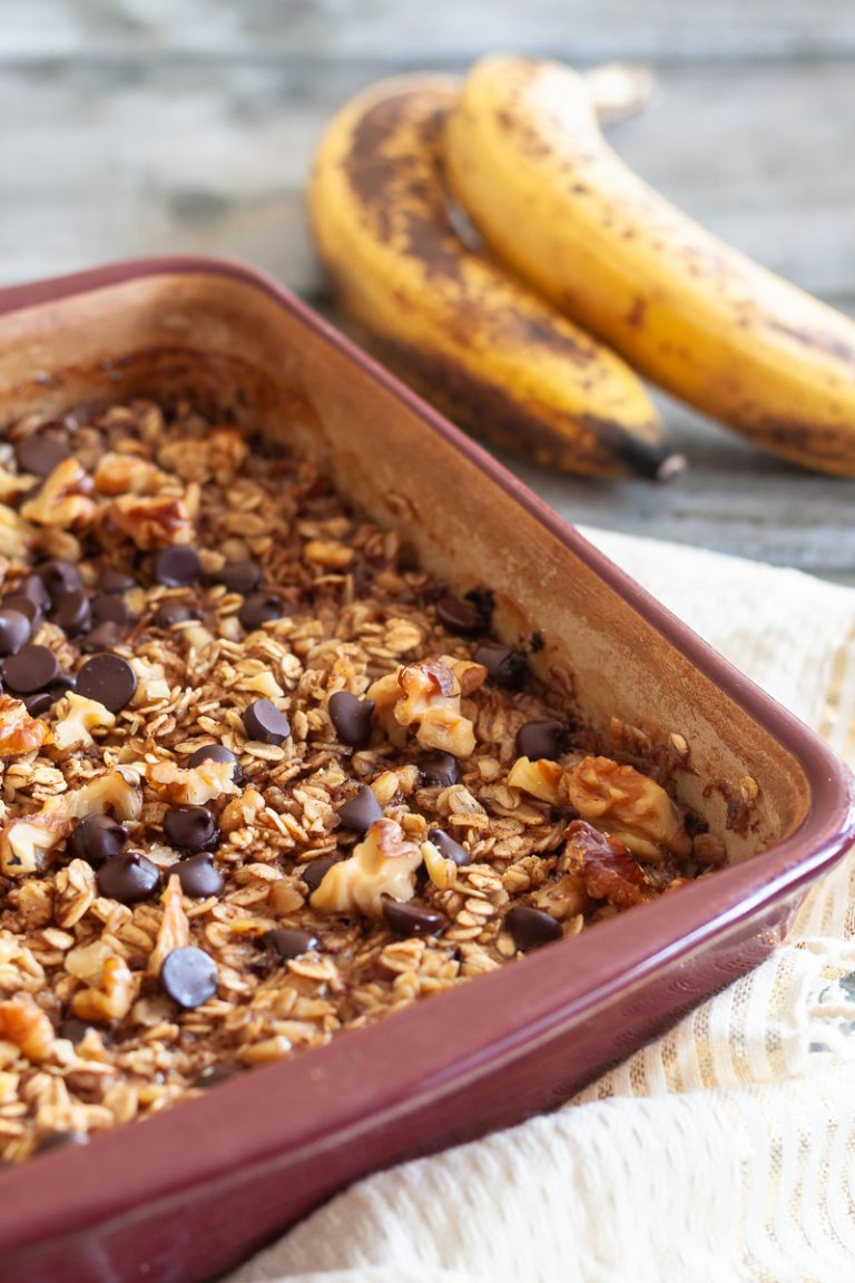 Make this banana bread baked oatmeal recipe with your weekend meal prep and reheat for an easy weekday breakfast. Baked oatmeal also works as a more nutritious sweet main dish for weekend brunch! * GoodieGodmother.com