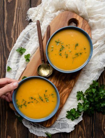 Cozy and creamy, you'd never guess this butternut squash soup recipe is dairy free and compliant with many clean eating dietary guidelines! No nuts or crazy ingredients, just a really good soup.  * Recipe on GoodieGodmother.com