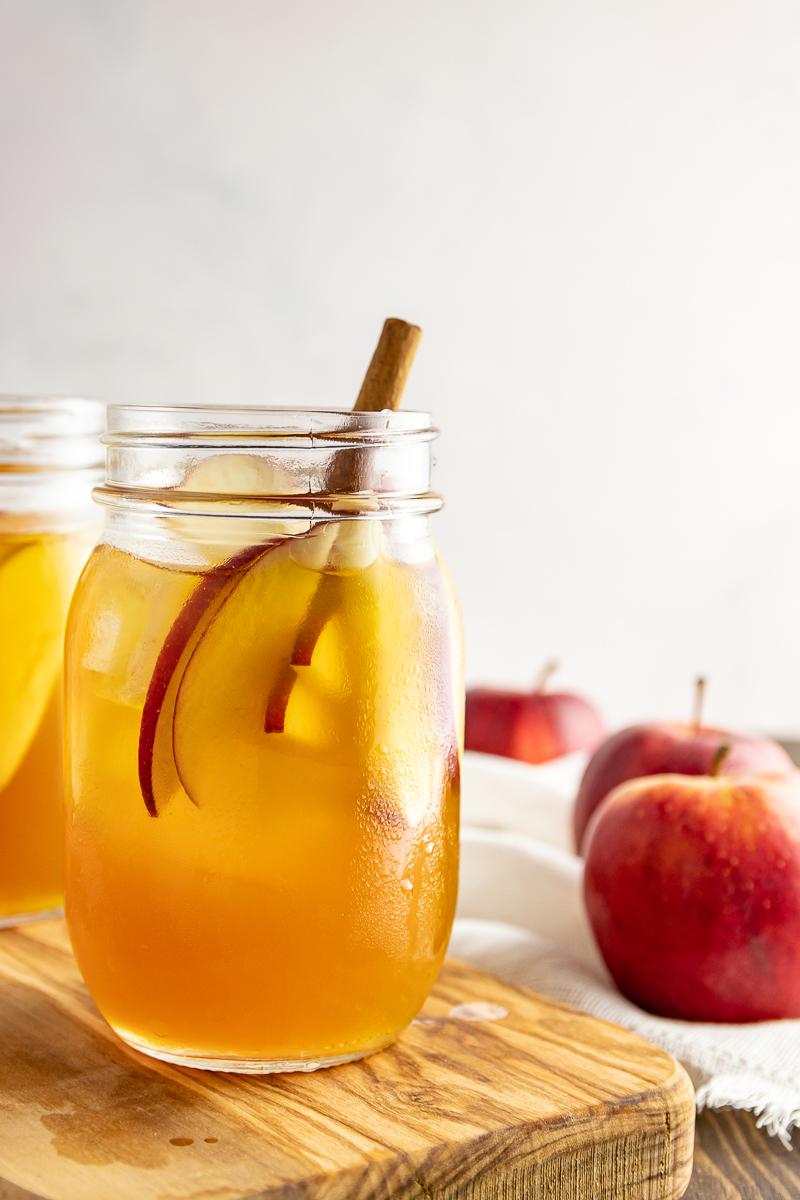 easy fall cocktail recipe idea