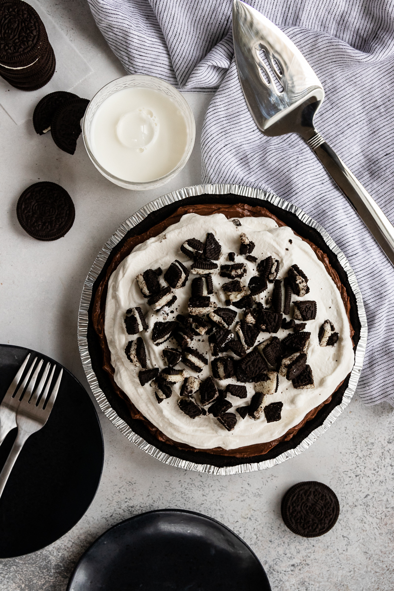 top view of the chocolate pudding pie to show off oreo cookie garnish