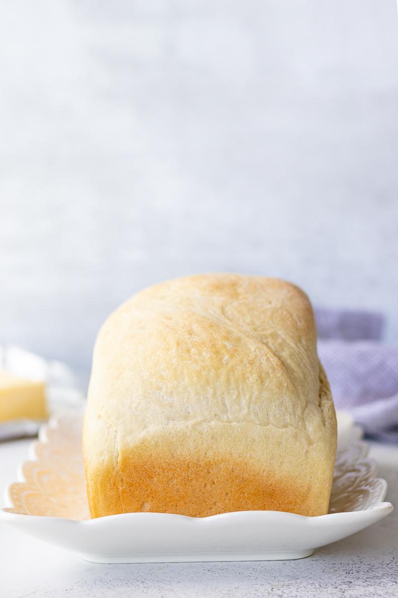 uncut loaf of sandwich bread